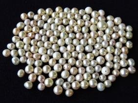 LOT ASSORTED NATURAL PEARLS, NEED TO BE RE-STRUNG