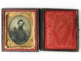 CIVIL WAR DAGUERREOTYPE SOLDIER W/UNION CASE 1860
