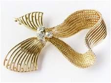 FINE 14K Y. GOLD/DIAMOND BOWTIE BROOCH C. 1960