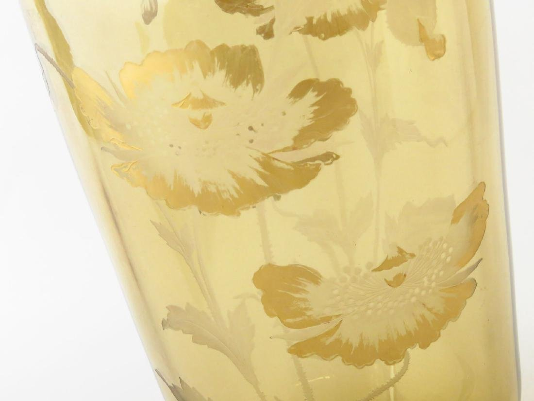 ART GLASS VASE W/ POPPIES SIGNED SINCLAIR 20TH C. - 3