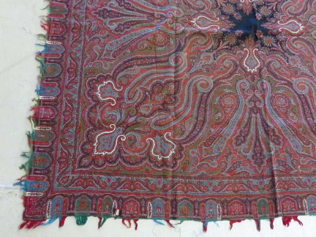 FINE EARLY PAISLEY CASHMERE SHAWL 19TH C. - 2