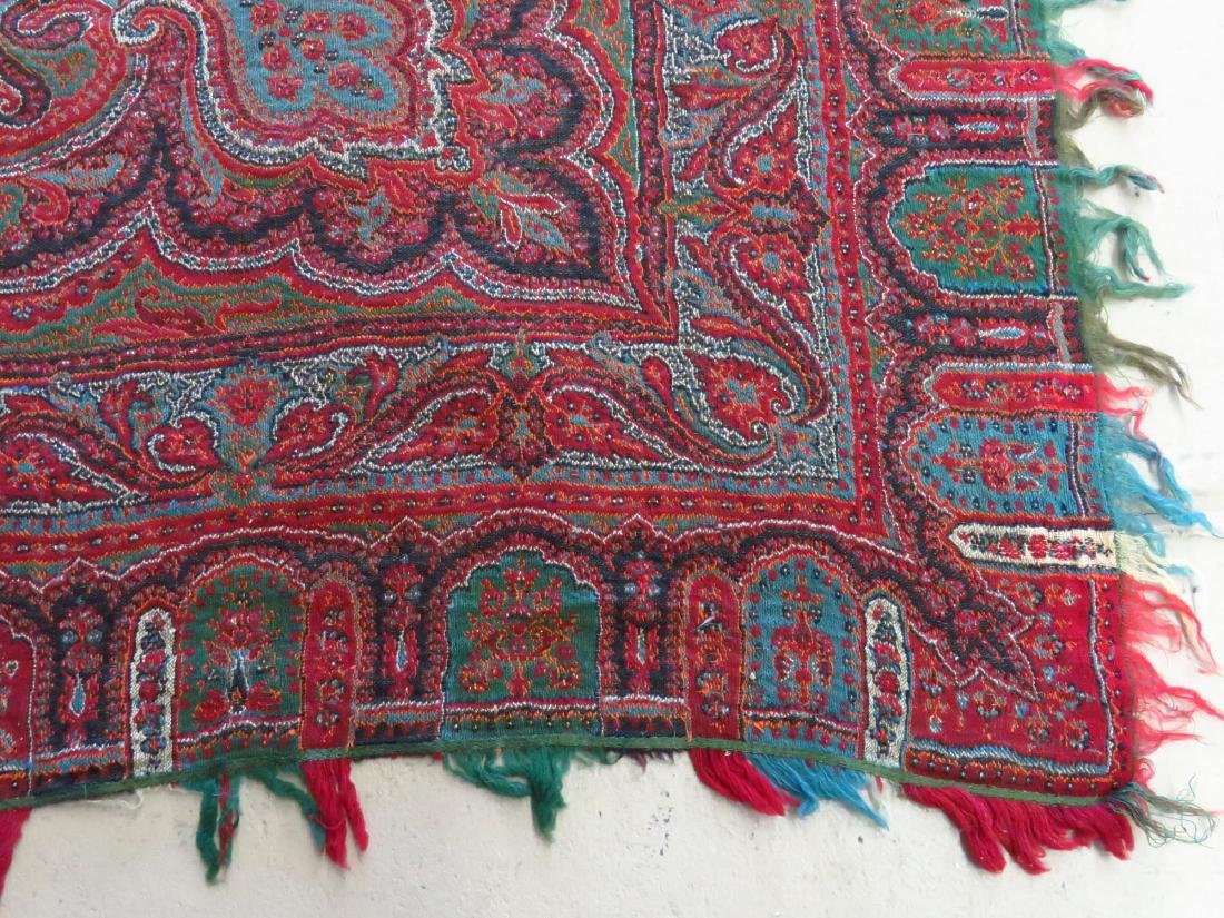 FINE EARLY PAISLEY CASHMERE SHAWL 19TH C. - 3