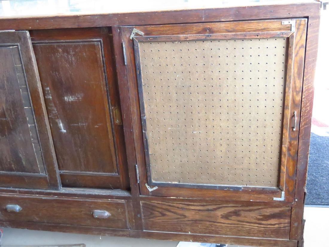 ART DECO CURVED GLASS/OAK SHOWCASE C. 1920 - 2