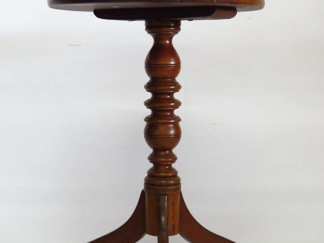 CHIPPENDALE CHERRY CANDLE STAND 18/19TH C. - 2