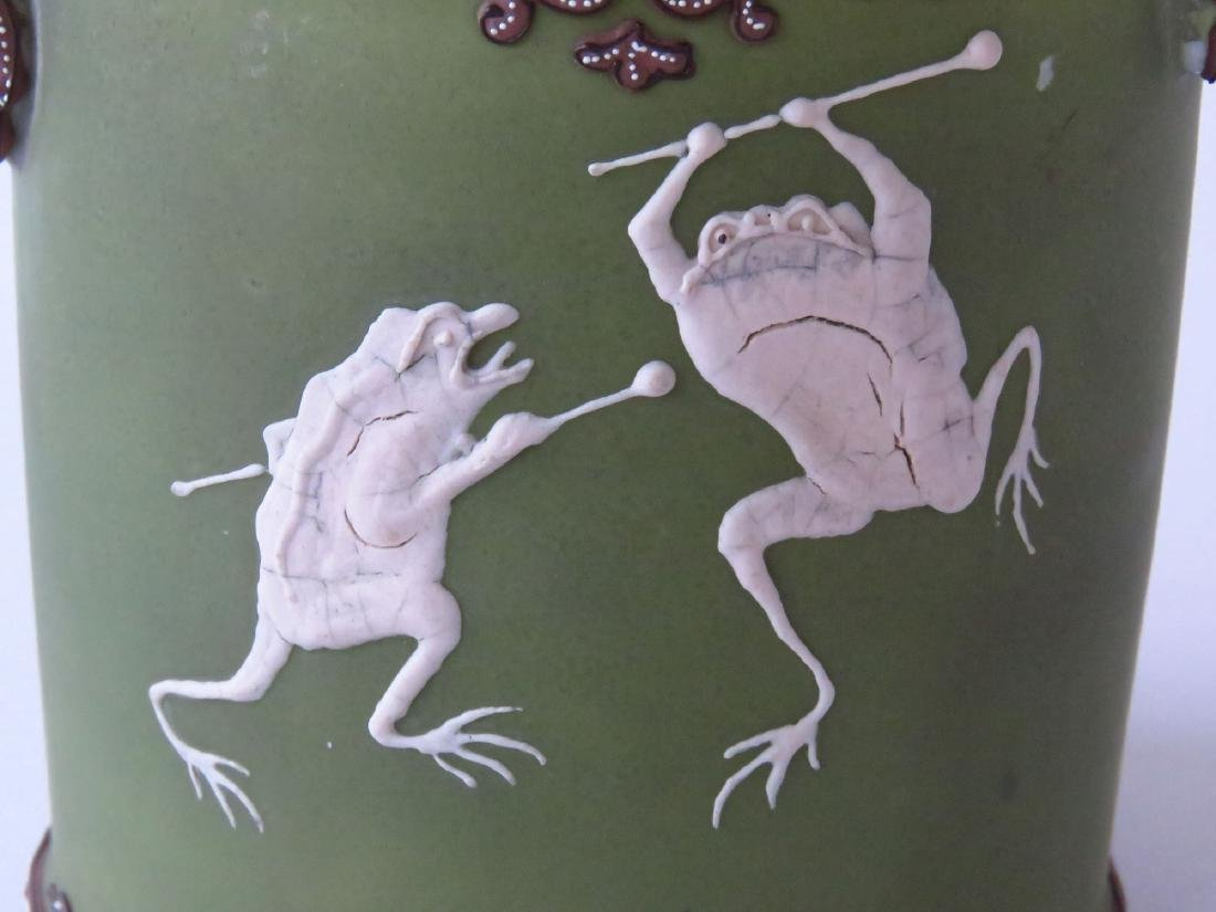 """NIPPON """"DANCING FROGS"""" PORCELAIN HUMIDOR 20TH C. - 2"""