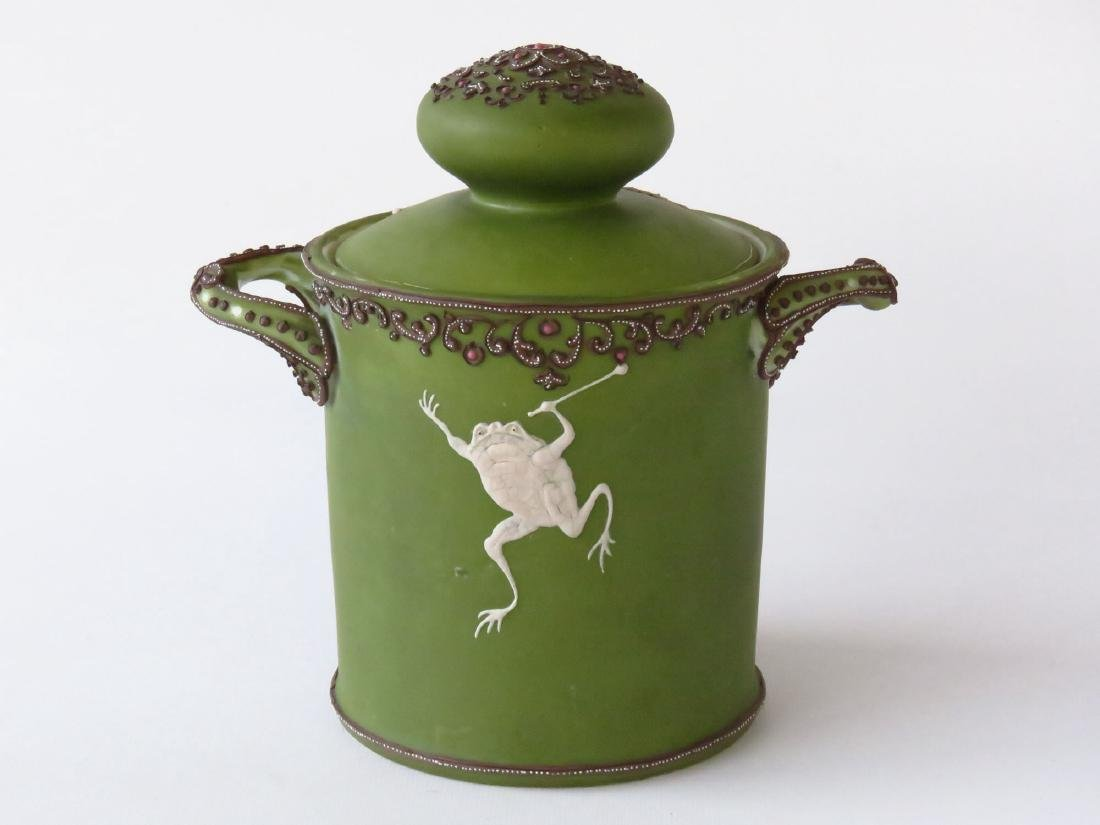 """NIPPON """"DANCING FROGS"""" PORCELAIN HUMIDOR 20TH C. - 5"""