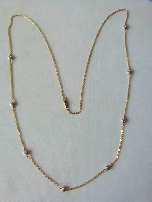 DECO STYLE 14KT YELLOW GOLD 8 DIAMOND NECKLACE