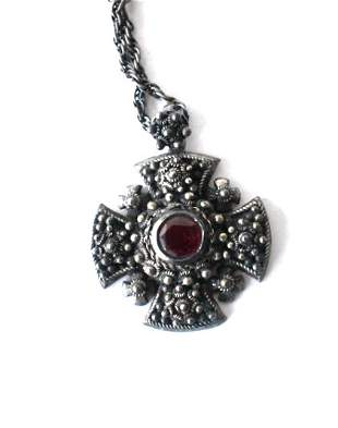 VICTORIAN STYLE STERLINGRUBY NECKLACE