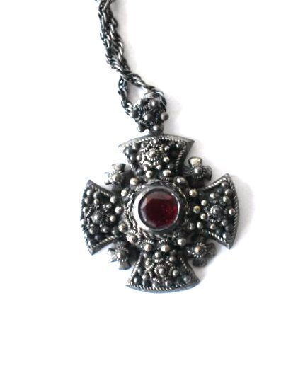 VICTORIAN STYLE STERLING/RUBY NECKLACE