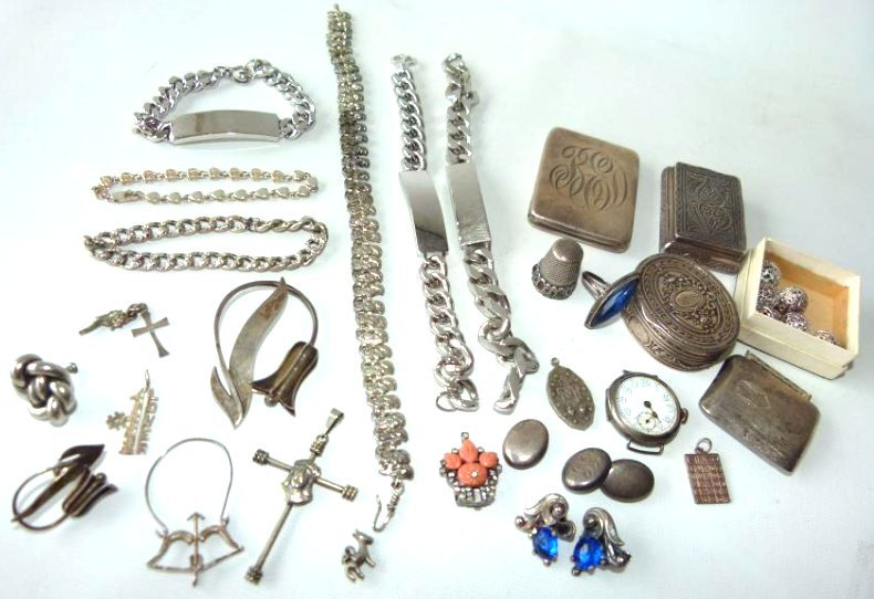 LOT ASSORTED STERLING INCL. PILL BOXES, THIMBLES
