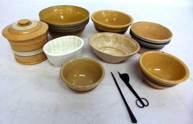 LOT ASSORTED YELLOWARE BOWLS/MOLDS 19TH C.
