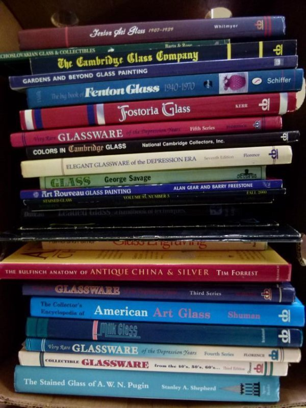 ART REFERENCE BOOKS OF GLASS AND STAINED GLASS