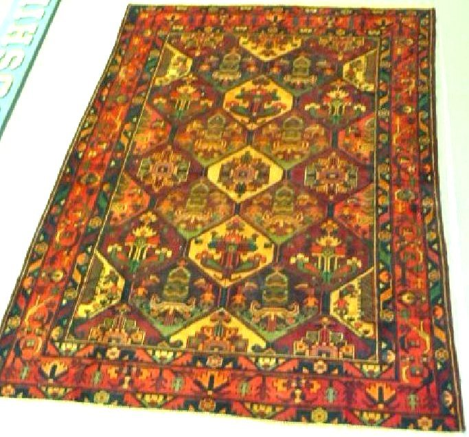 FINE VINTAGE ORIENTAL CARPET 20TH C.