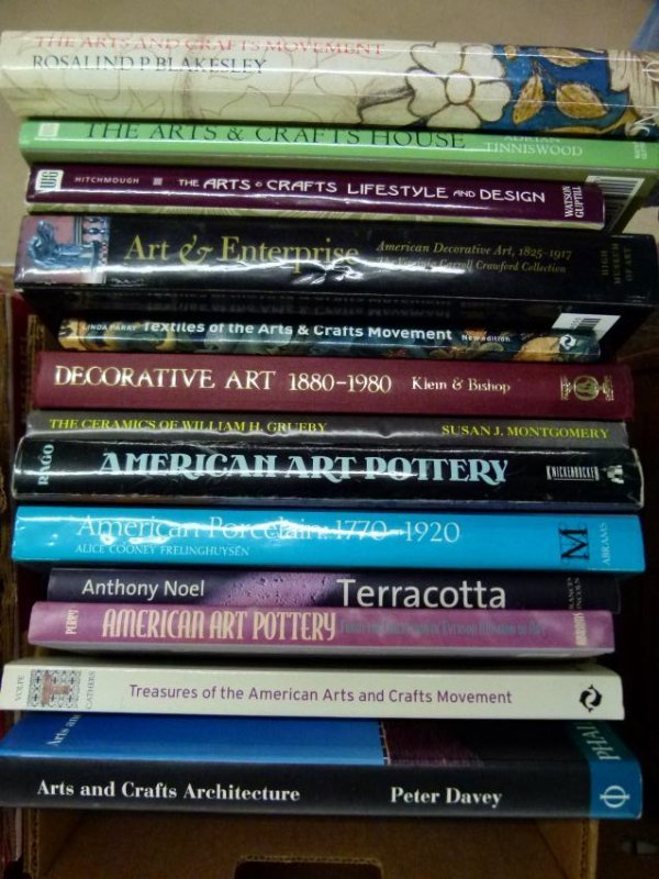 ART REF. BOOKS ON ARTS AND CRAFTS MOVEMENT