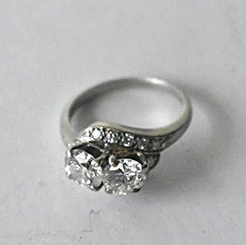 FINE 14 KT GOLD/1.9 CT. DIAMOND RING W/ UGL CERT.