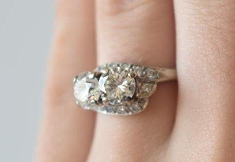 FINE 14 KT GOLD/1.9 CT. DIAMOND RING W/ UGL CERT. - 6