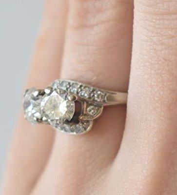 FINE 14 KT GOLD/1.9 CT. DIAMOND RING W/ UGL CERT. - 7