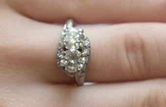 FINE 14 KT GOLD/1.9 CT. DIAMOND RING W/ UGL CERT. - 8
