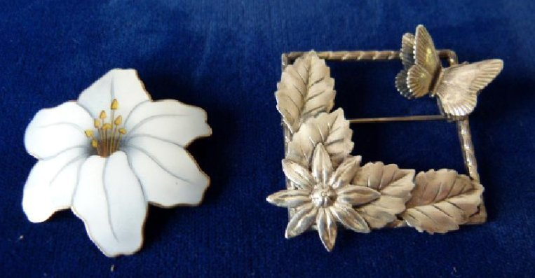 LOT (2) DECO STERLING/ENAMELED PINS, C. 1920