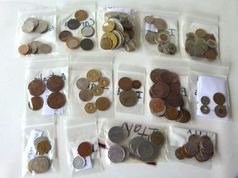 LOT FOREIGN COIN INCL. JAPAN, GREECE, ITALY, CANADA