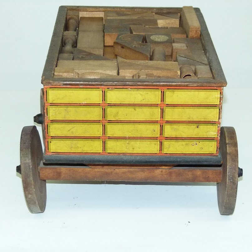 EARLY US & CANADA EXPRESS TOY WAGON W/BLOCKS - 6