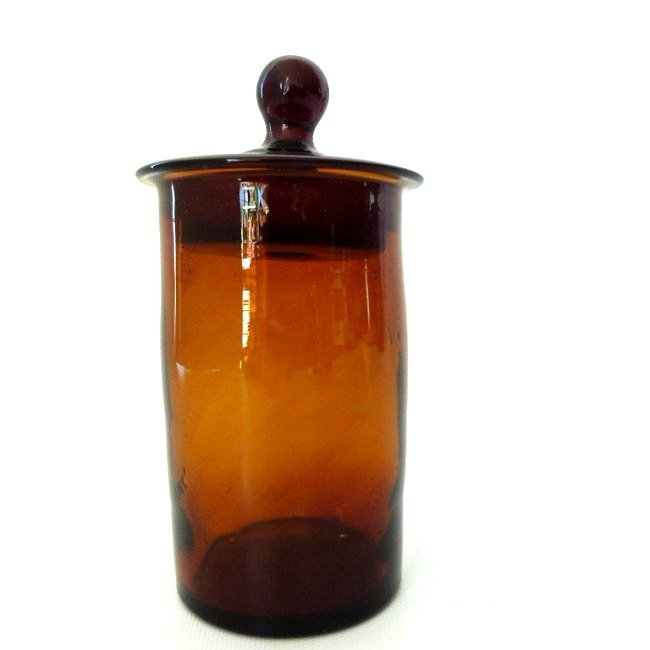 SMALL COVERED AMBER GLASS APOTHECARY, 19TH C.