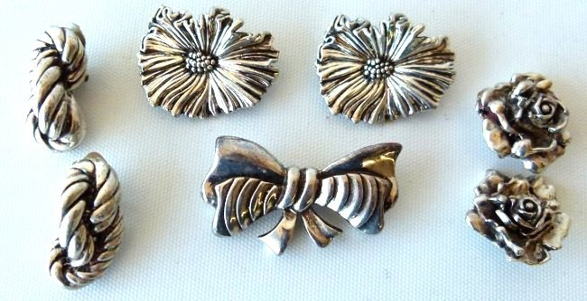 LOT ASSORTED STERLING PINS/EARRINGS/BROACHES, C. 1960