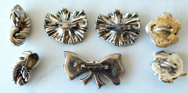 LOT ASSORTED STERLING PINS/EARRINGS/BROACHES, C. 1960 - 3