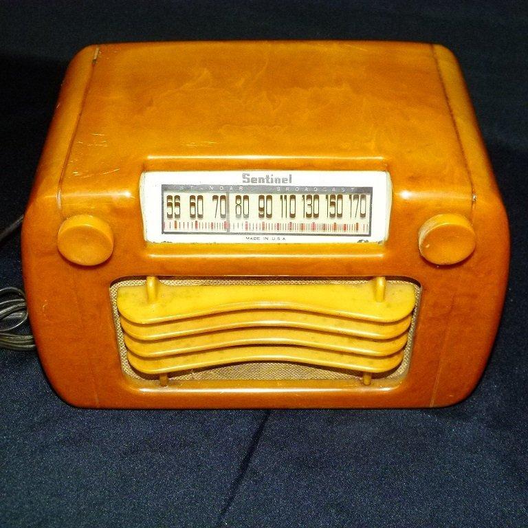 SENTINEL BUTTERSCOTCH CATLIN/BAKELITE TABLE TOP RADIO - 2