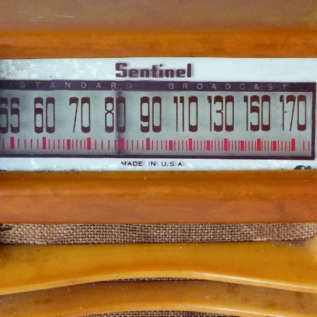 SENTINEL BUTTERSCOTCH CATLIN/BAKELITE TABLE TOP RADIO - 3