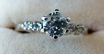 FINE ANTIQUE DIAMOND ENGAGEMENT RING C. 1930