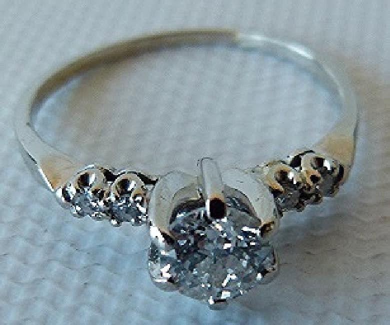 FINE ANTIQUE DIAMOND ENGAGEMENT RING C. 1930 - 4