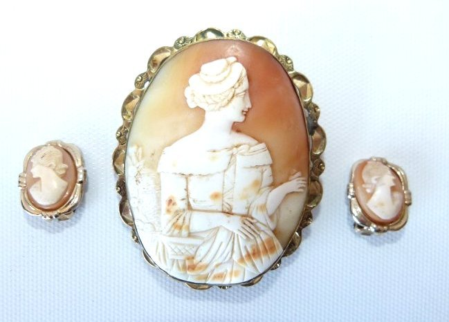 LARGE FOLK ART CARVED SHELL CAMEO BROACH/EARRINGS,