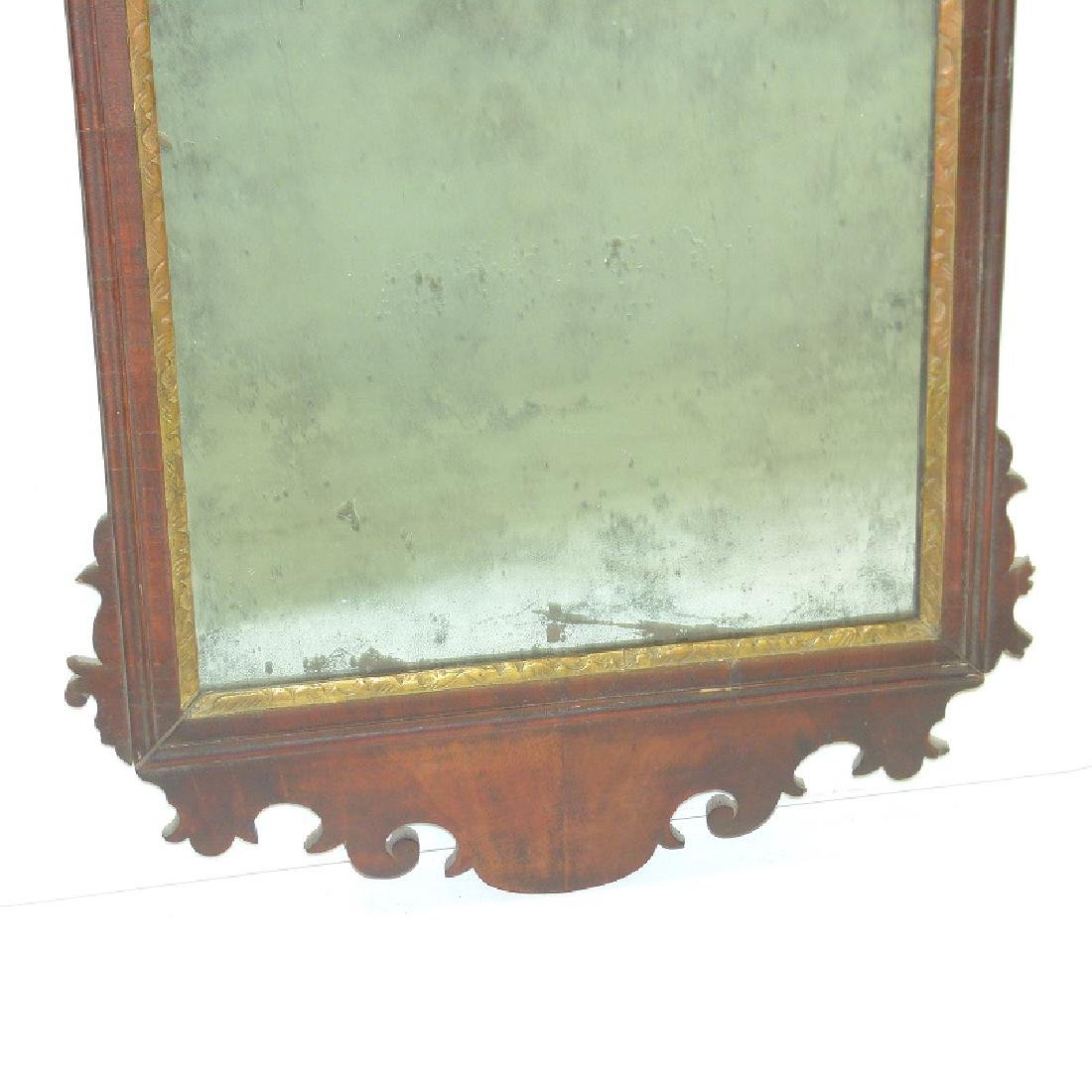 QUEEN ANNE MAHOGANY LOOKING GLASS, 18TH C. - 3