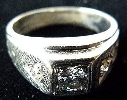 ART DECO MENS RING, 18KT WHITE GOLD/DIAMONDS, C. 1940 - 2