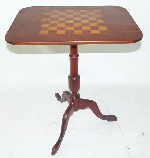 FEDERAL STYLE MAHOGANY TILT TOP GAME TABLE, 20TH C.