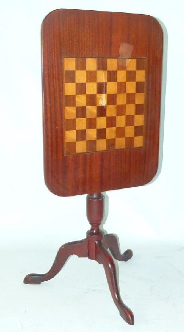 FEDERAL STYLE MAHOGANY TILT TOP GAME TABLE, 20TH C. - 4