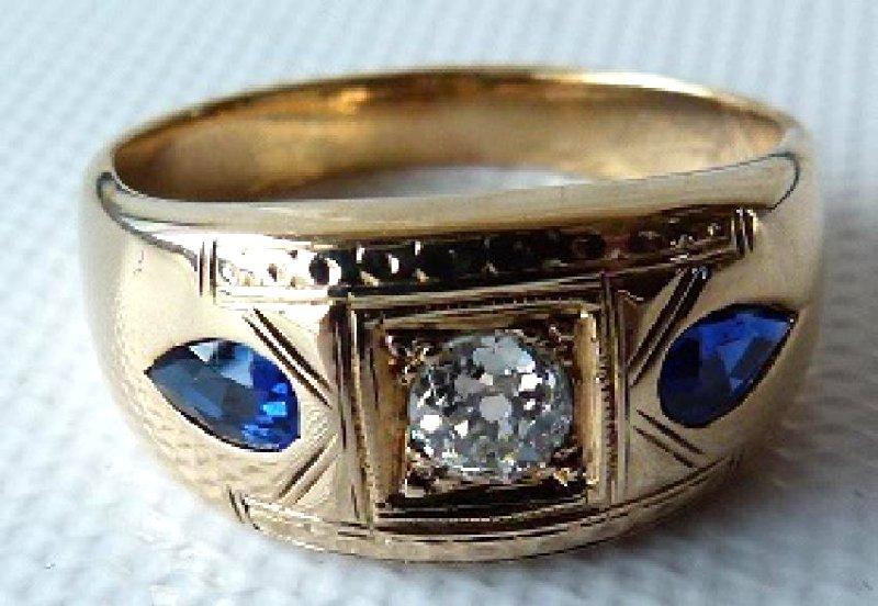 ART DECO 14KT YELLOW GOLD/DIAMOND/SAPPHIRES MENS RING