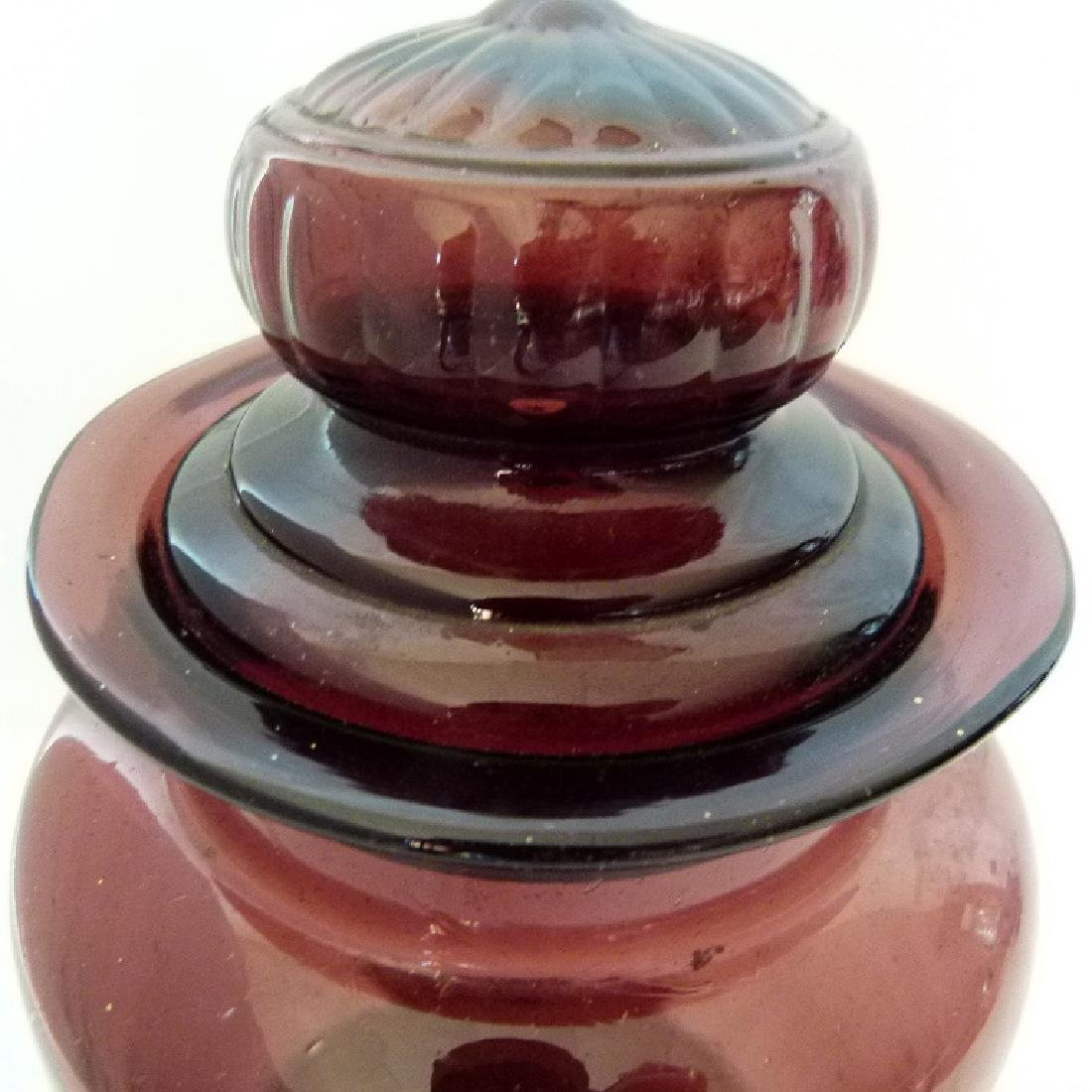 LARGE AMETHYST GLASS COVERED APOTHECARY JAR, 19TH C. - 2