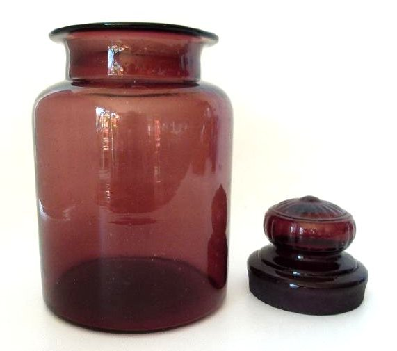 LARGE AMETHYST GLASS COVERED APOTHECARY JAR, 19TH C. - 4