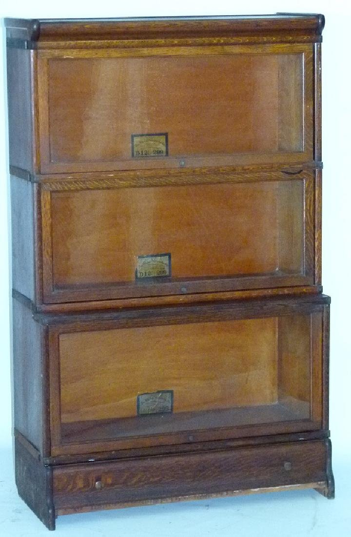 GLOBE-WERNIEKE OAK 3 STACK LAWYERS BOOKCASE, C. 1920