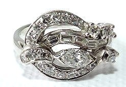 ART DECO 14KT WHITE GOLD DIAMOND RING, C. 1920