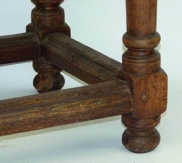 SPANISH COLONIAL TWO DRAWER SIDE TABLE, 17TH C. - 4