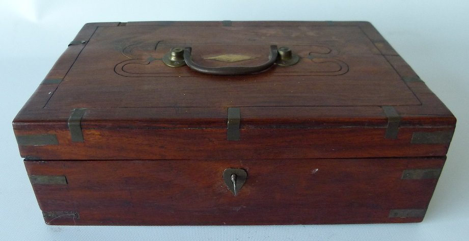VICTORIAN MAHOGANY SEWING BOX, 19TH C.