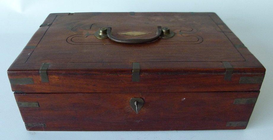 VICTORIAN MAHOGANY SEWING BOX, 19TH C.