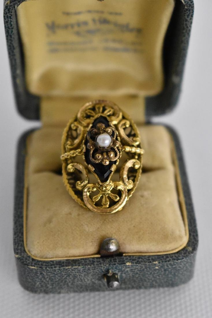VICTORIAN 14KT. YELLOW GOLD ONYX/PEARL COCKTAIL RING