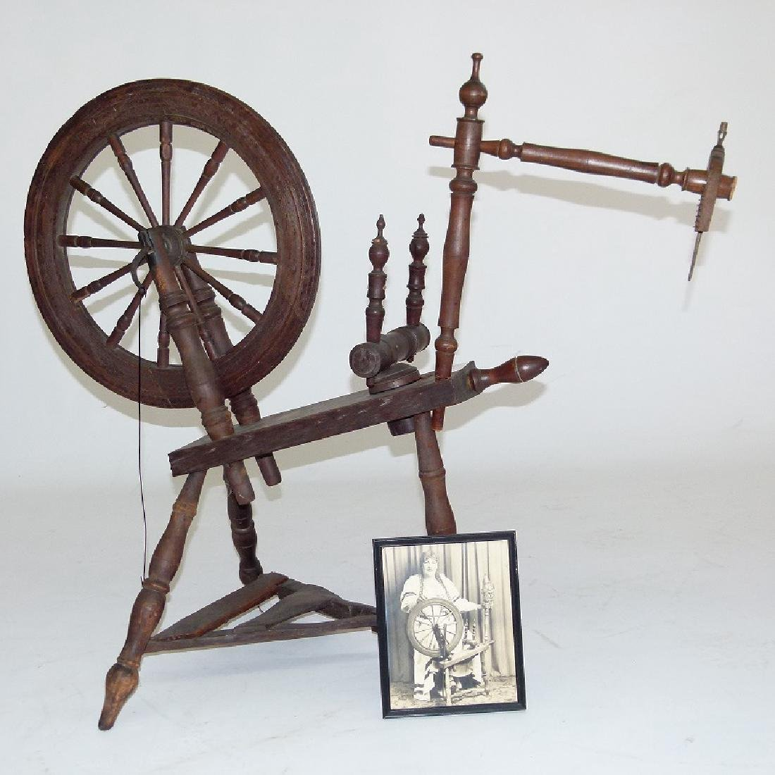 EARLY AMERICAN FLAX SPINNING WHEEL, W/ PHOTO