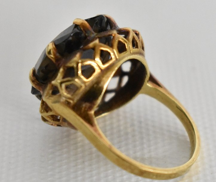 MODERN 14KT. YELLOW GOLD/SMOKEY TOPAZ COCKTAIL RING - 5