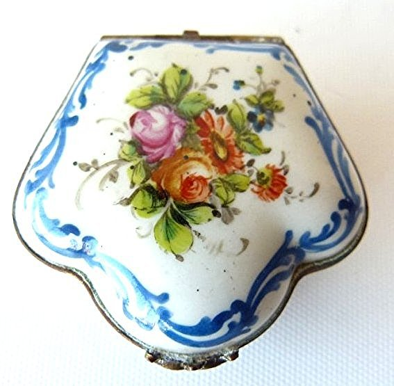 LOT (2) FRENCH H/P SEVE'S PORCELAIN TRINKET BOXES 19TH - 3