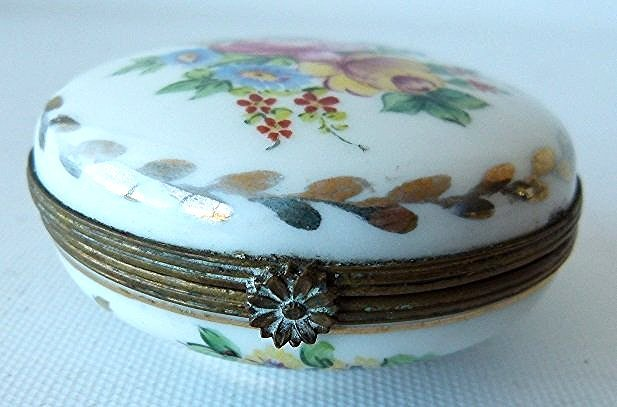 LOT (2) FRENCH H/P SEVE'S PORCELAIN TRINKET BOXES 19TH - 7